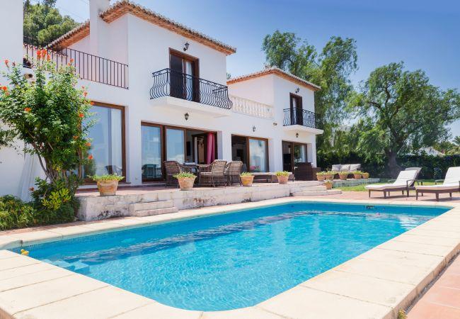 Villa en Javea / Xàbia - Villa Ficus El Tosalet, Lujoso Chalet con Vistas Panorámicas al Mar