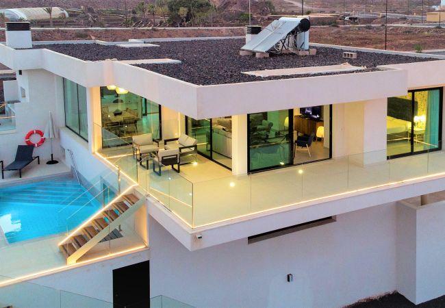 Villa en Corralejo - Villa Las Dunas Deluxe Corralejo, con Piscina Privada y Vistas Espectaculares